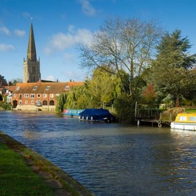Abingdon on thames and with boats and church