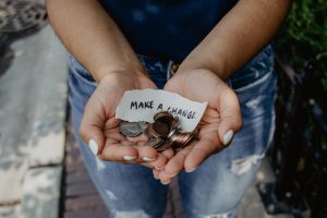 make a change money in palms with note of make a change